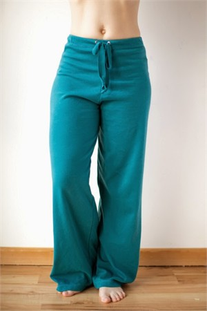 Sewing Tutorial | Basic Yoga Pants | By The Crafty Kitty