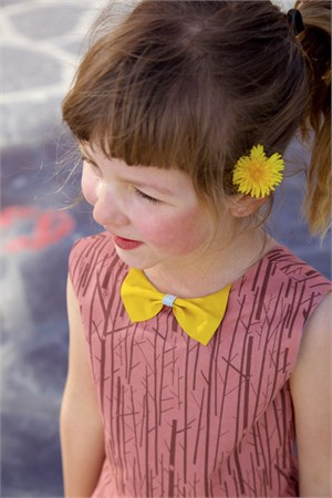 Sewing Tutorial & Free Pattern | Bow Collar | By Marte of Compagnie M
