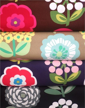Cosmo Textiles, Bold Flowers in FAT QUARTERS 4 Total