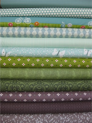 Fabric Worm Custom Bundles in Fat Quarters