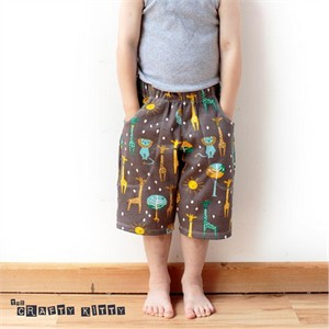 Free Pattern | Kid's Knit Shorts | by The Crafty Kitty