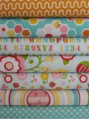 Lori Whitlock, Simply Sweet, Blue in FAT QUARTERS, 7 Total (Pre-cut)