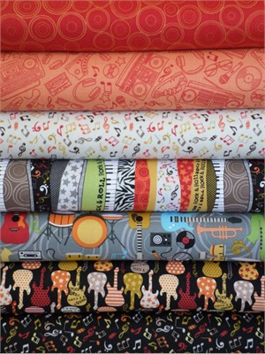 Makower UK, Music, Red in FAT QUARTERS 7 Total