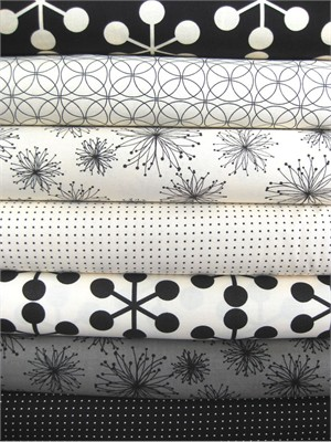 Moda, Comma Zen Chic, Black and Chalk in FAT QUARTERS, 7 Total