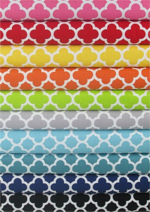 Riley Blake, Quatrefoil in FAT QUARTERS 7 Total (PRE-CUT)