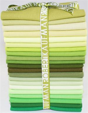 Robert Kaufman Kona Colorstory, Greener Pastures in FAT QUARTERS 21 Total
