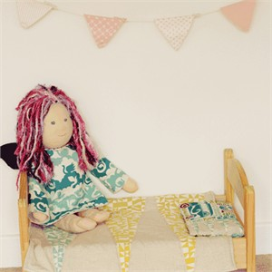 Tutorial: Doll Bedding by The Crafty Kitty