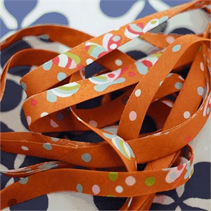 Tutorial: Make Your Own Bias Tape by Littlest Pretty Things