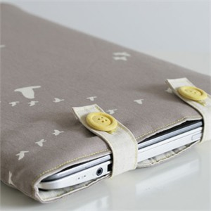 Tutorial | Padded Laptop Sleeve | By The Crafty Kitty