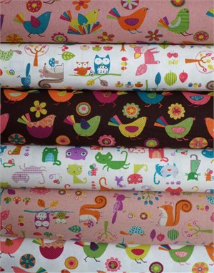 Westex, Print, White in FAT QUARTERS 5 Total (Pre-cut)