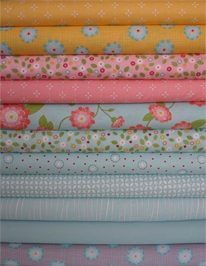 Windham Fabrics, Wallflowers, Aqua in FAT QUARTERS 11 Total
