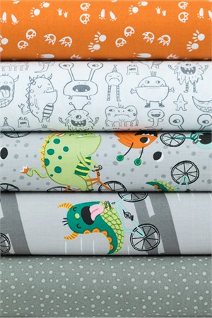 Clothworks, Super Bad Monsters Gray in FAT QUARTERS 5 Total