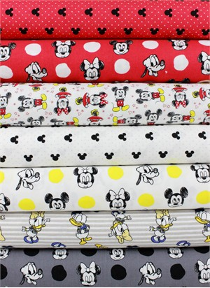 Camelot Fabrics, Mickey Mouse & Friends in FAT QUARTERS 6 Total